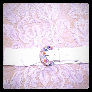 Vintage White Elastic Belt With Lucite Buckle